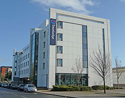 Travelodge (Cardiff Bay)