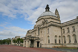 Cardiff Civic Centre � Cathays Park